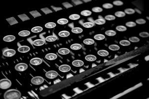typewriter-2653187_1920